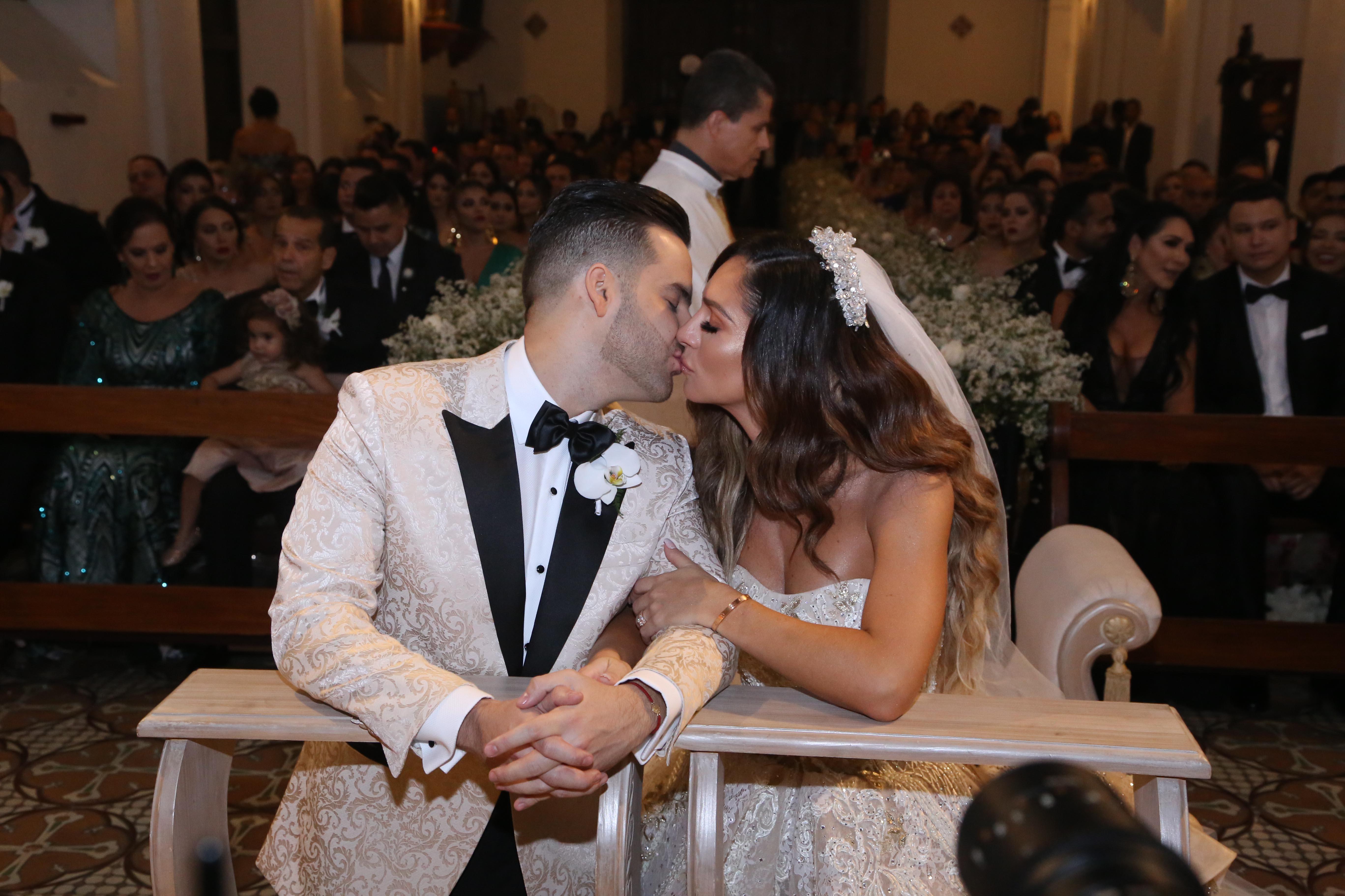Matrimonio Simbolico Las Vegas : Kimberly reyes vivió una boda de ensueño tvynovelas colombia