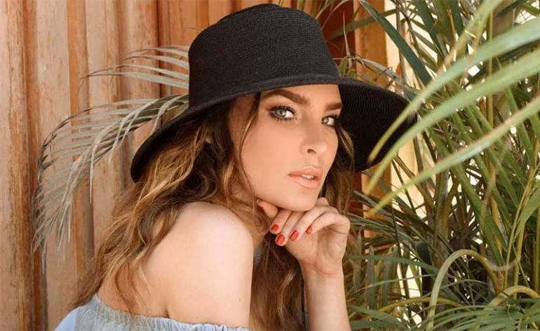 """A Belinda se le salen """"los moquitos"""" en plena entrevista. Foto: Instagram"""