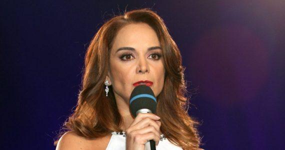 Lupita Jones llama 'naquito' a usuario de redes sociales