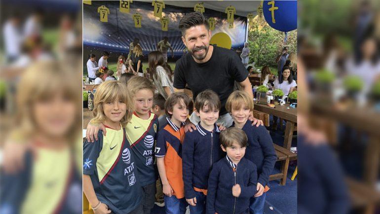 Oribe Peralta fue invitado al cumpleaños del hijo de Galilea Montijo