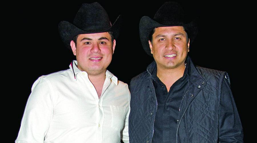 Julión álvarez Y Alfredo Olivas Dueto Entre Grandes Tvynovelas México