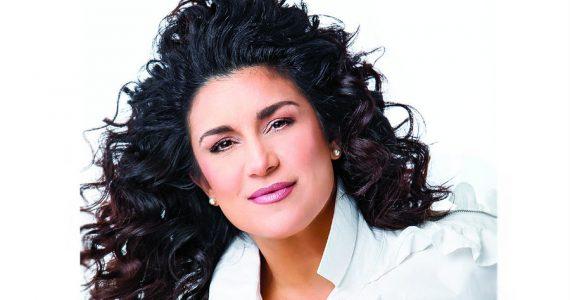 Amenazan de muerte a la cantante Karina. Foto: Archivo