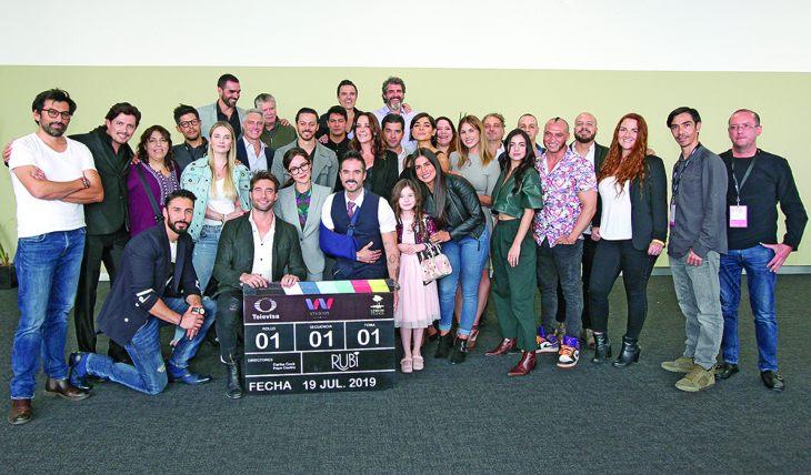 Elenco de Rubí. Foto: José Luis Ramos