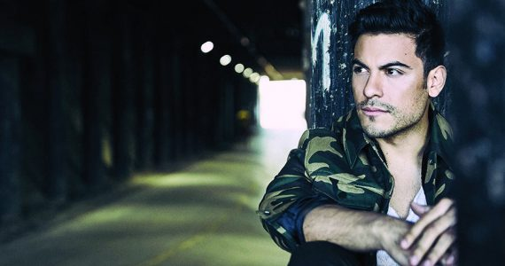 Cibernautas exigen que Carlos Rivera se declare gay. Foto: Cortesía Sony Music