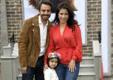 Eugenio Derbez, Aitana y Alessandra Rosaldo. Foto: Getty Images