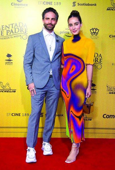BIEN ACOMPAÑADO Osvaldo llegó a la alfombra roja muy orgulloso con su novia, la guapa actriz, Esmeralda Pimentel. Foto: Javier Arellano