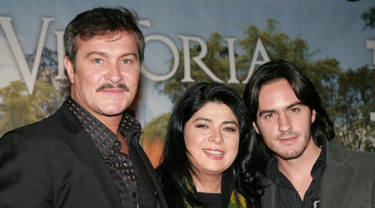 Arturo Peniche, Victoria Ruffo y Mauricio Ochmann | Foto: Getty Images