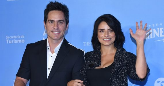 Mauricio Ochmann, Aislinn Derbez. Foto: Getty Images