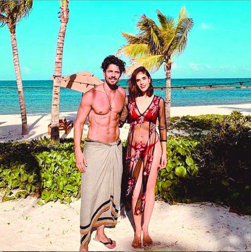 PRESUMIERON FIGURA. En la trama, los personajes de Juan Martín y Sandra viven un tórrido romance en Bora Bora, aunque en la realidad lo grabaron en el Caribe. Foto: Cortesía