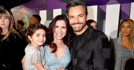 Eugenio Derbez, Alessandra Rosaldo y Aitana. Fotos: Getty Images