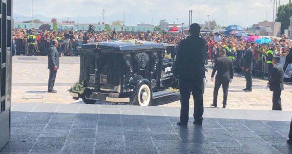 Cenizas de José José a su llegada a la Basílica de Guadalupe. Foto: Liliana Lejarazu