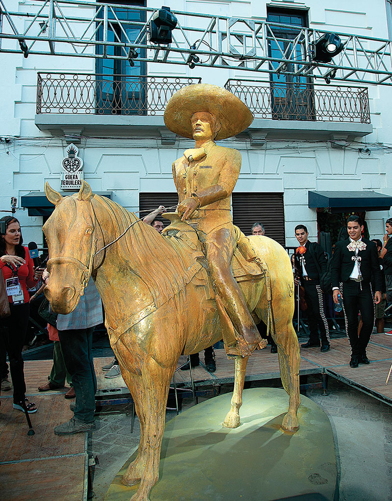 Estatua de Vicente Fernández | Foto: TVyNovelas