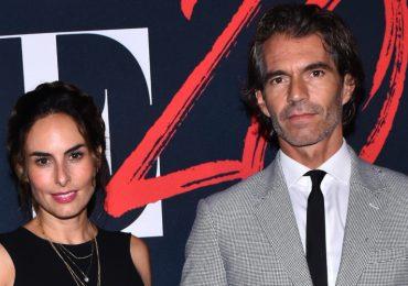 Ana Serradilla y su prometido, Raúl Martínez Ostos. Foto: The Grosby Group
