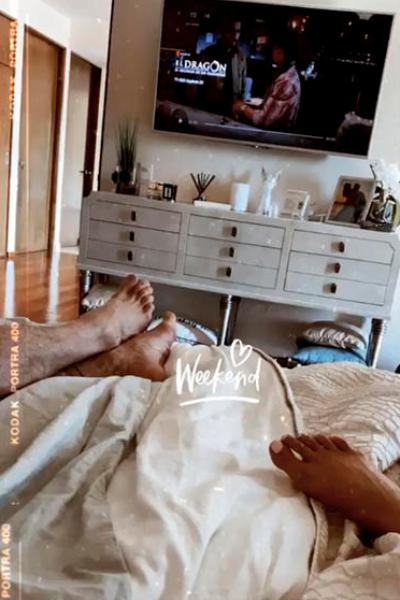 Irina Baeva y Gabriel Soto en la cama. Captura de pantalla Instagram