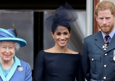 Reina Isabel II, Meghan Markle y Príncipe Harry. Foto: Getty Images