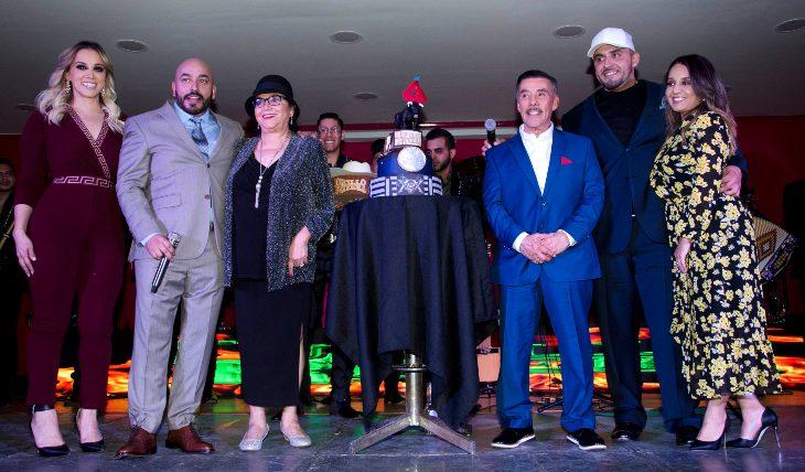 Festejo de Lupillo Rivera. Foto: Javier Arellano