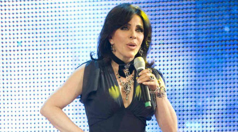 Verónica Castro dejó atrás el cabello oscuro, ¡no la reconocerás!