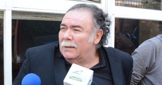 Jesús Ochoa pide limosnas en cruceros de CDMX. Foto: Archivo