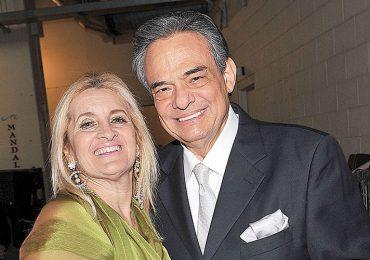 Por complacer a Sara Salazar, José José dejó una deuda millonaria. Foto: Getty Images