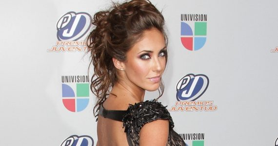 Sobrina de Anahí canta a dúo con la RBD ¡Son idénticas!. Foto; Getty Images