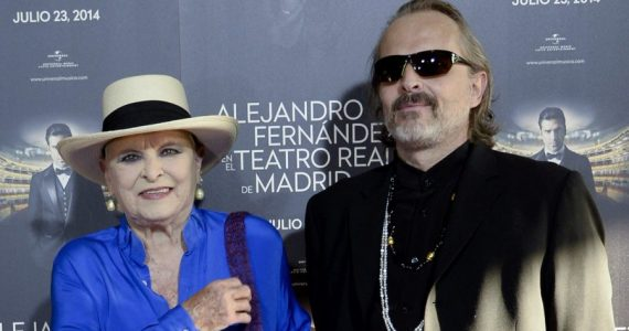 Lucia y Miguel Bosé. Foto: Getty Images