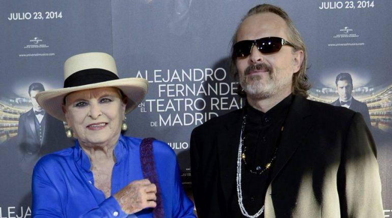 Lucia y Miguel Bosé. Foto: Getty Images