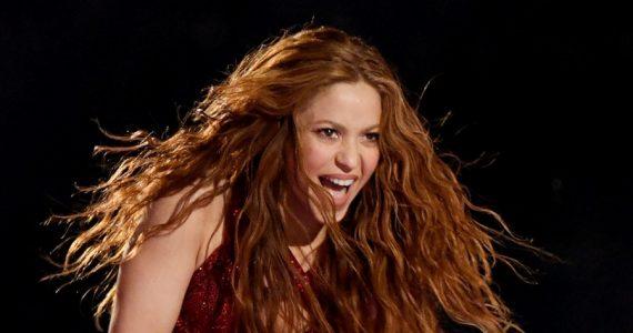Shakira aprovechó la cuarentena y estar en su casa para graduarse de la carrera de Filosofía