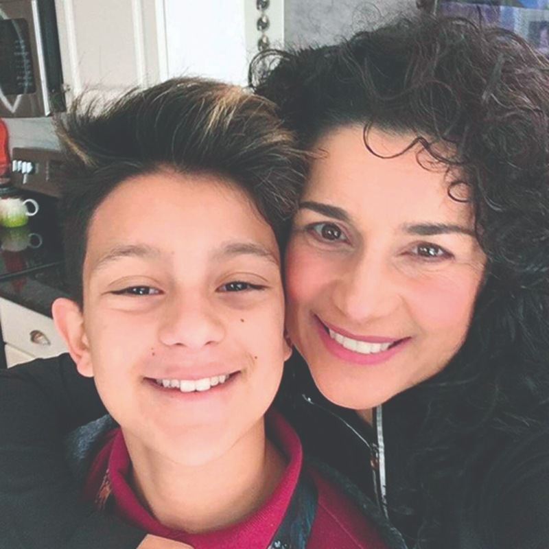 En exclusiva, Karina habla de su hijo transgénero, ¡congeló sus óvulos! (VIDEO)