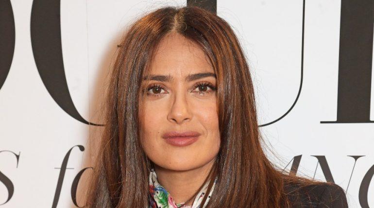 Salma Hayek presumen a su hermano y la llaman 'cuñada'