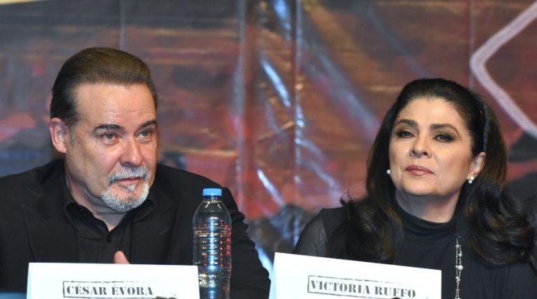 """César Évora recibe amenazas de muerte por """"traicionar"""" a Victoria Ruffo. Foto: Getty Images"""