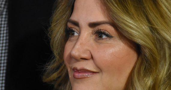 Ex de Frida Sofía jalonea y tira a Andrea Legarreta
