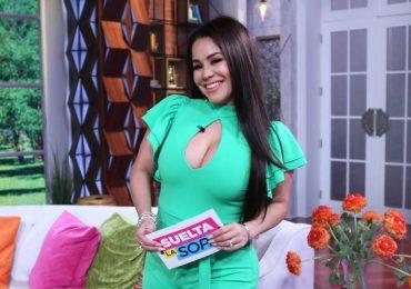 Carolina Sandoval no quiere saber nada de sus compañeros de Telemundo. Foto: Instagram