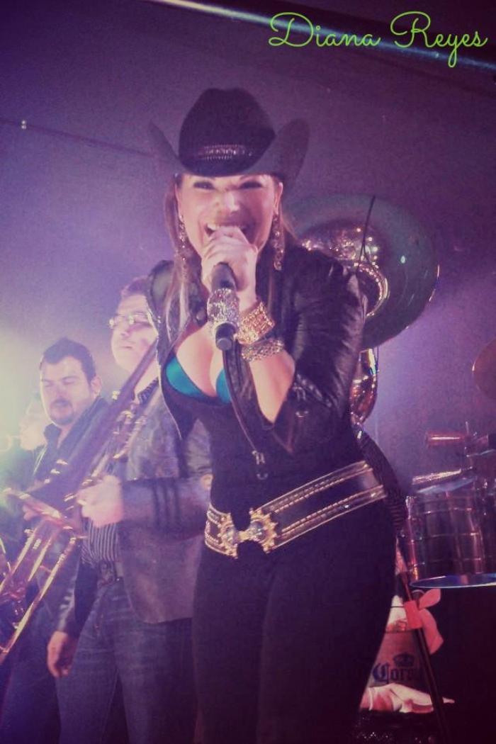Famosa cantante de regional se resigna a perder la vista