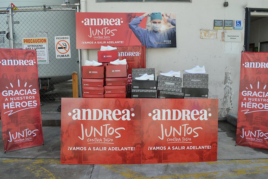 Andrea hace donativo