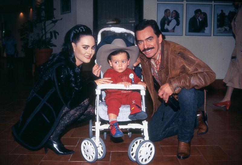 Joan sebastián, Maribel Guardia y José Manuel Figueroa. Foto: Archivo