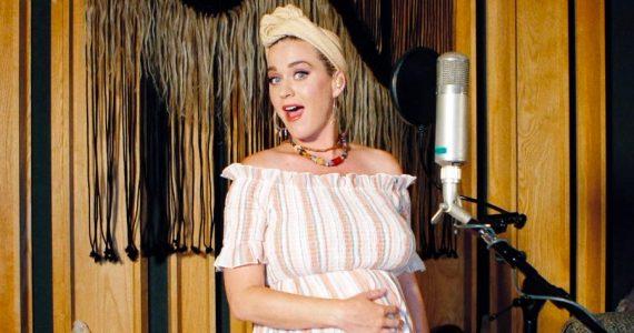 Critican a Katy Perry por usar prenda mexicana
