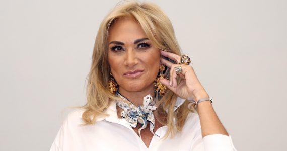 ¡Bikinazo de Adela Micha enciende las redes!. Foto: Getty Images