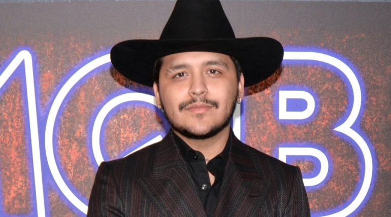 ¡No chocó, le chocaron... el Ferrari a Christian Nodal! Foto: Getty Images