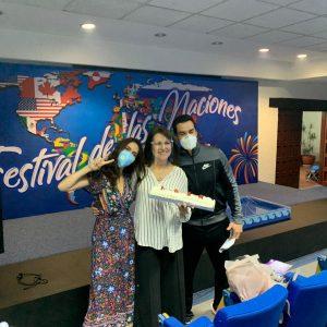 Daniela Romo festejó su cumpleaños junto a David Zpepeda y Claudia Álvarez. Foto: Cortesía