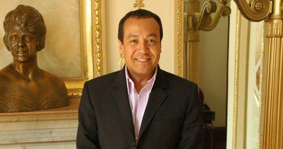 Carlos Cuevas recibe amenazas por pleito con su hermana