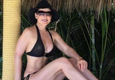 ¡Sexy! Lourdes Munguía a sus 59 años de edad