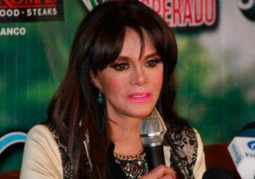 """Lucía Méndez la """"regó"""" haciendo playback en programa en vivo ¡Le llueven las críticas! Foto: Getty Images"""