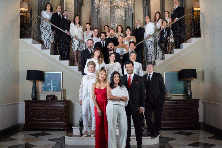 Televisa confirma siete casos de Covid-19 entre dos telenovelas y ¿Quién es la máscara?. Foto: Televisa