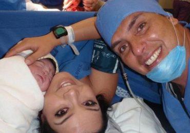 Carisa de León, última esposa de Xavier Ortiz se refugia en el silencio ¡VIDEO!. Foto: Twitter: @carisadeleon