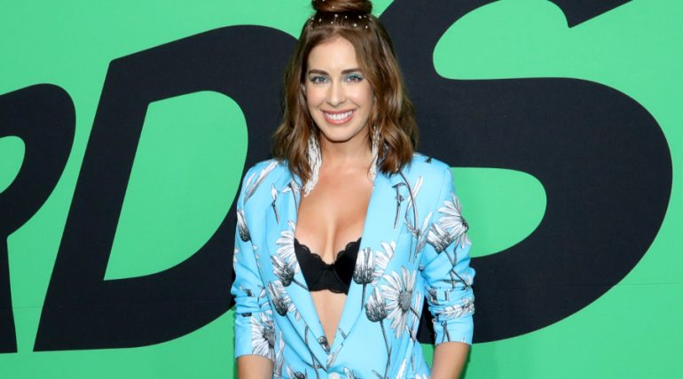 Carmen Aub comparte foto sin implantes de seno. Foto: Getty Images