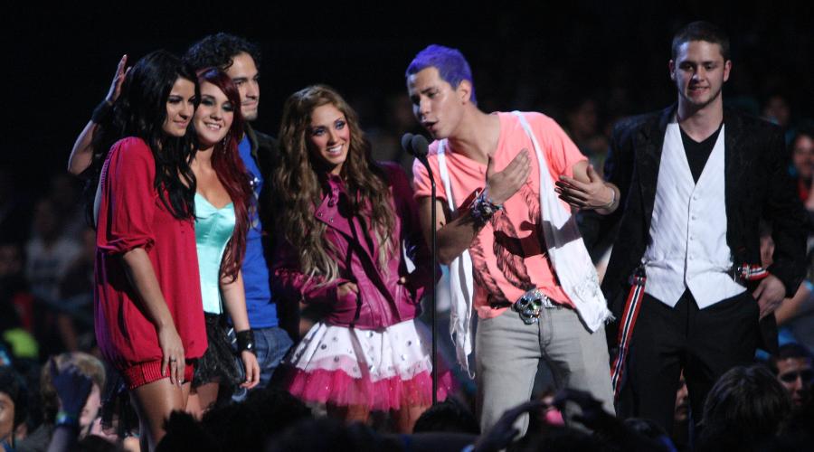 Maite Perroni reprocha ausencia de Poncho y Dulce en concierto de RBD. Foto: Getty Images