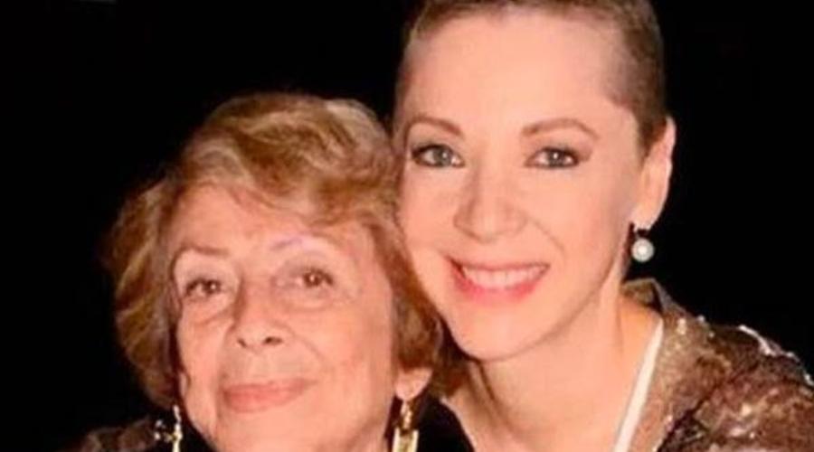 Edith González y su madre, doña Ofelia Fuentes. Foto: Archivo