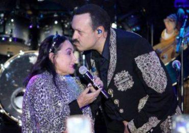 Así se despidieron Pepe, Ángela y Leonardo Aguilar de Flor Silvestre. Foto; Archivo