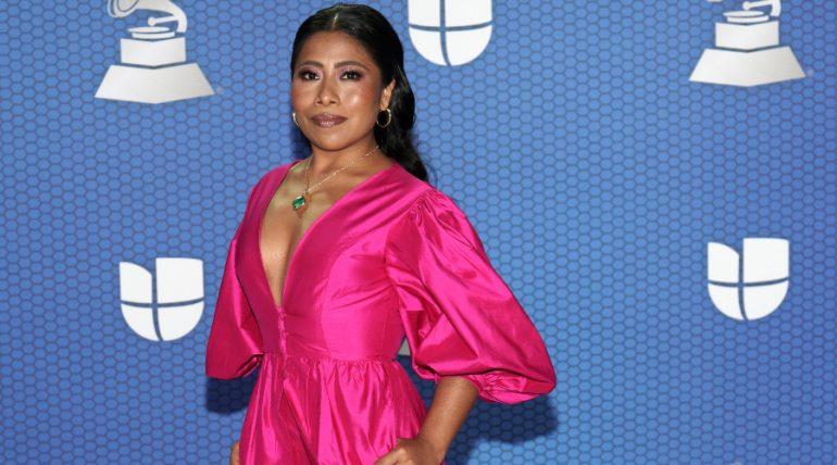Los looks elegantes de Yalitza Aparicio en los Latin Grammy 2020 ¡FOTOS!. Foto: Getty Images