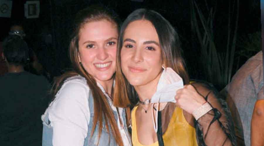 Danka, la hija de Daniela Castro, y Nicole, la hija del pugilista Julio César Chávez.